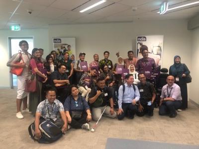 Program Perlindungan Sosial bagi Difabel di Indonesia: Charity atau berdasarkan HAM [Sebuah perbandingan dari Program Perlindungan Sosial di Australia]